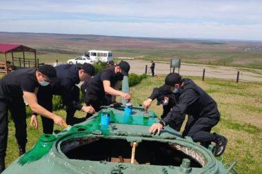 ОМОНовцы КБР привели в порядок мемориал на Курпских высотах