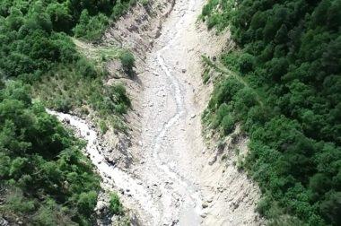 Специалисты обследовали селевые потоки и оползни