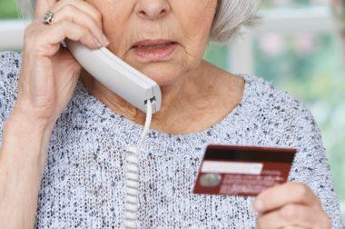 В КБР телефонный мошенник обманул женщину на 800 тысяч рублей