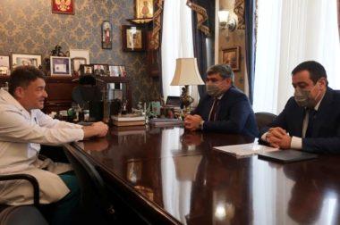Казбек Коков договорился о работе федеральных специалистов в республиканском онкодиспансере