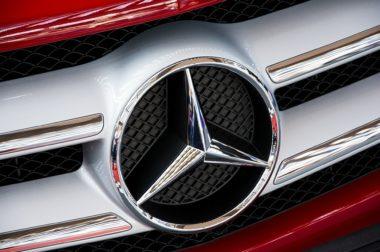 Житель КБР требует компенсации в 4 млн руб за изъятый силовиками и утерянный Mercedes Benz