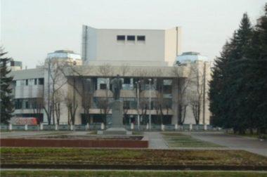 Власти КБР хотят возобновить строительство Дворца театров