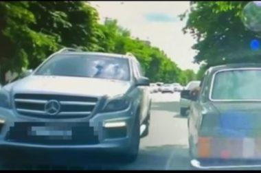 В Нальчике полиция наказала автохама на Mercedes-Benz за парковку на встречной полосе