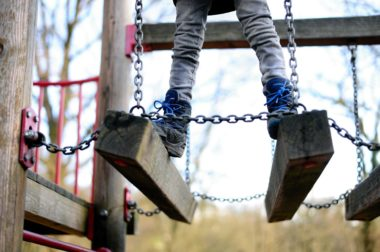 В Кабардино-Балкарии при падении с дерева погиб 10-летний мальчик