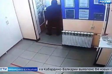 В Нальчике мужчина ограбил фармацевта