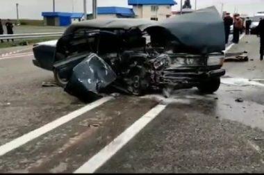 Опять смертельная авария, погибло 2 человека, ещё трое в больнице